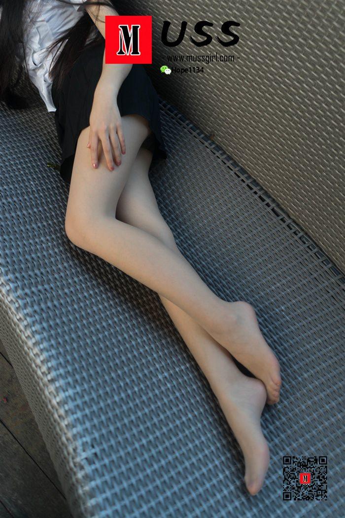 [MussGirl慕丝女郎]NO.066 第一次约拍穿丝袜小姐姐[96P/187M]